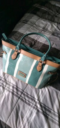Guess purse with optional wallet