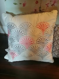 white throw pillow Yorkville, 60560