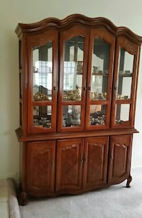 China Cabinet - perfect condition San Diego, 92124
