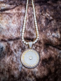 Iced Out Cluster 2 Pendant + Chain Long Beach, 90813