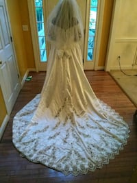 Size 24 Mori Lee Wedding dress+veil Charlotte, 28277