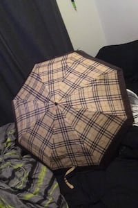 Burberry umbrella not free
