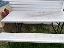 8ft Picnic table plastic