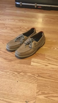 pair of brown boat shoes Scottsboro, 35769