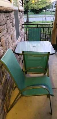 Outdoor dinner set , 3 chairs in good condition ,