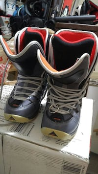 Womens 7.5 snowboard boots