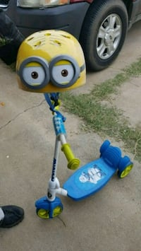 Minions Scooter and helmet Mustang, 73064