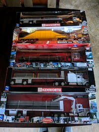 Lot of 5 Tractors with trailers 1/32 Scale Reynoldsburg, 43068