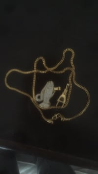 Gold chain with two pendants Brampton, L6V 0X5