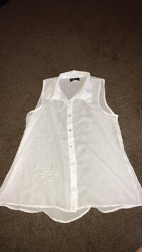 white button down tank top size L Chattanooga, 37411