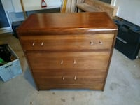 brown wooden 2-drawer chest Aurora, L4G 7X7