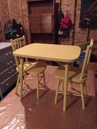 Children's solid wood table and chairs  Calgary, T2Y 3L3