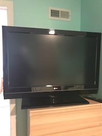 black LG flat screen TV Chantilly, 20151