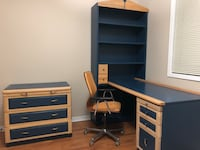 3 piece desk (book shelf, drawer and chest included) Mississauga, L5V 1N3