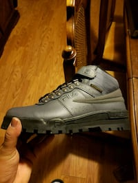 Fila weather tech boots size 8 new Temple, 19560