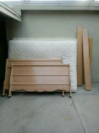 Serta Queen Bed with Headset and Base