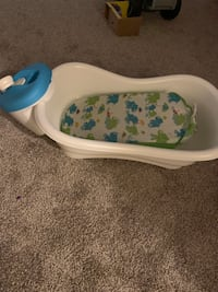 baby's white and blue bather District Heights, 20747