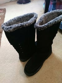 fur lined black boots
