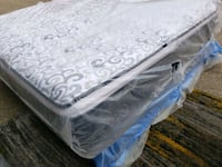 New King mattress, showroom area 380$ delivery 50 Edmonton, T5Y 2Y8