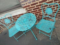 Sturdy metal patio set.  Washington