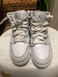 Youth Nike Air Jordan's Sneakers Size 5Y Clarksville, 37042