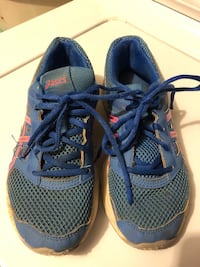 Kid's Tennis Shoes (Used) Size 4 Ashburn, 20147