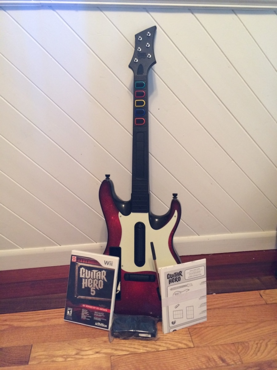 Guitar Hero 5 Guitar and Game for Wii