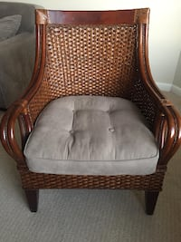 Pier One Wicker chair for sale - Great condition! Arlington
