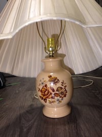Table lamp with over-sized shade