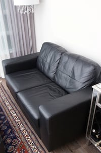 Black leather loveseat sofa Markham, L3T 7N1