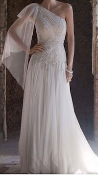 Wedding Dress size 6 price negotiable Williams Bay, 53191
