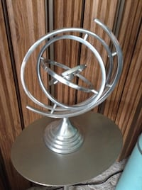 Bing Bang Theory and The Stand That it's sitting on All Stainless Steel for only $30.00 Kelowna, V1W 3T6
