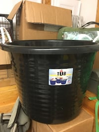 Black 17 gallon tub Spokane Valley, 99216