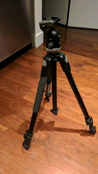 Monfrotto 190XB Tripod with 496RC2 head  Vancouver, V6B 1A6