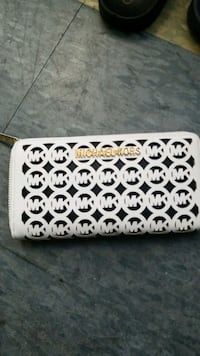 white and black floral leather wallet Niagara Falls, L2E 4E4