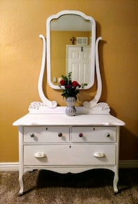 Romantic 3-Drawer Antique Mirrored Chest San Diego