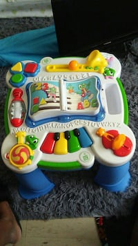 Leapfrog learn and play table Ottawa, K1H 8K7