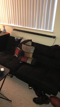 Futon couch need to by sold ASAP by Sunday morning Ypsilanti, 48197