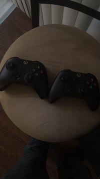 2 Black xbox one game controllers Costa Mesa, 92626