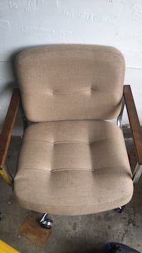 Swivel Chair Fort Myers, 33919