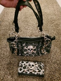 Skull Purse with matching Wallet