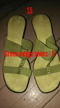 Green wedge shoes, size 6 218 mi