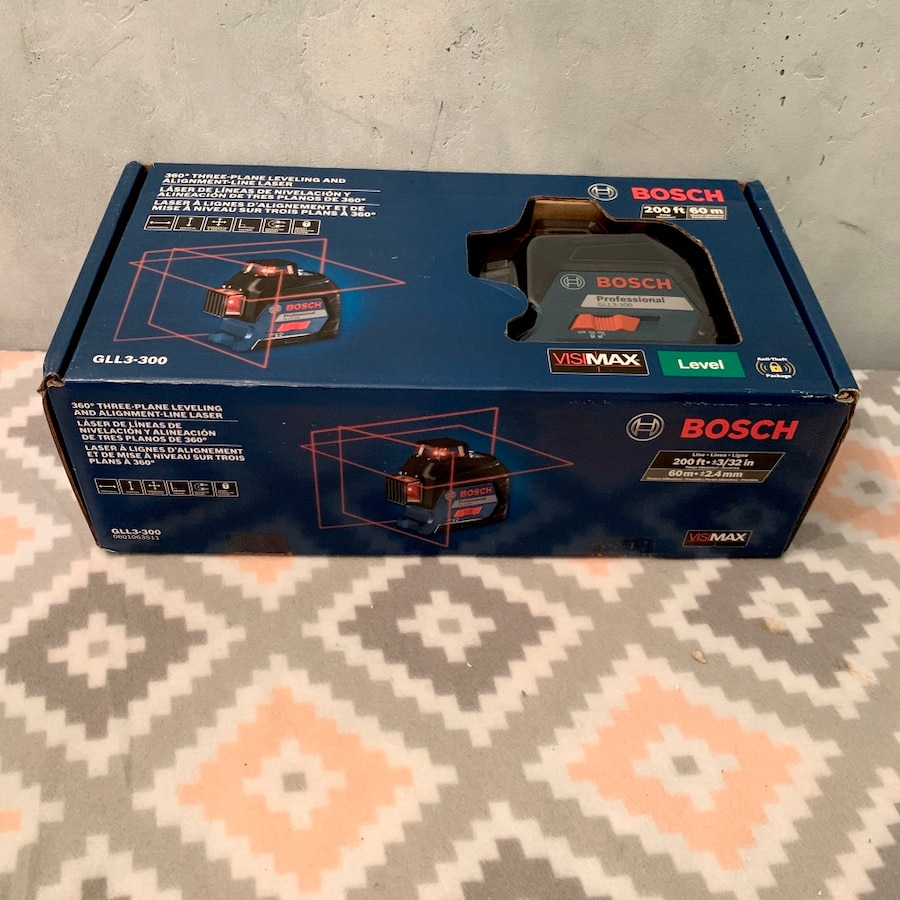 Photo New Bosch 360⁰ Three-Plane Leveling & Alignment-Line Laser. GLL3-300