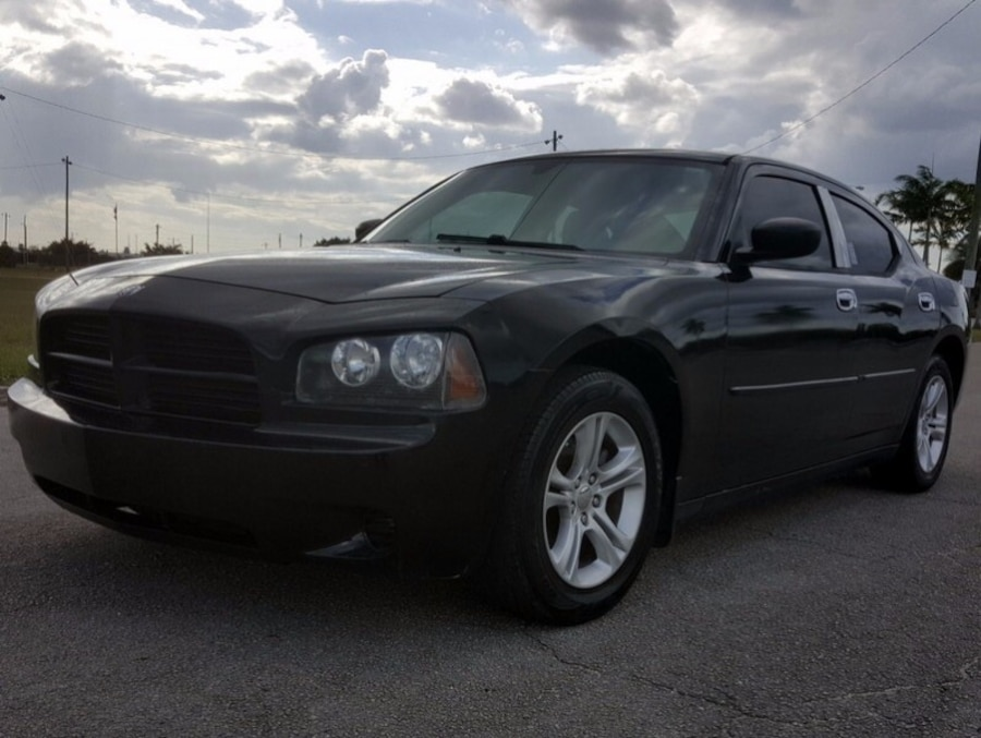 Buy Here Pay Here Miami >> Black Dodge Charger 2006 in Miami - letgo