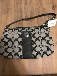Authentic Coach Wristlet Ottawa, K1L