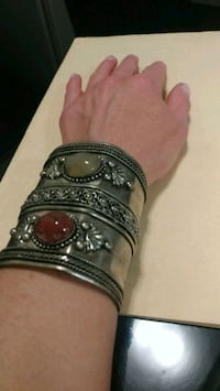Bangle with stones. Mississauga, L5B
