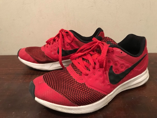Nike Running Shoes Kids 4Y 043d1638-5e71-4405-a812-fd9b4ea3e076
