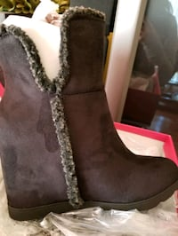 Shoedazzle wedges