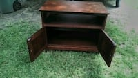 TV stand with two shelvs one is ajustable and in g Edmond, 73034