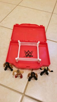 WWE mini portable wrestling ring with 4 characters Deerfield, 03037